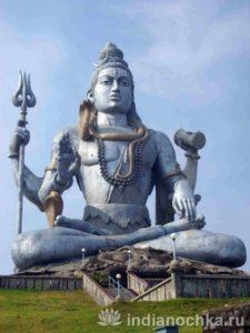 Скульптура Шивы в Мурудешваре.