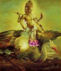 Бог Брахма передвигается на лебеде