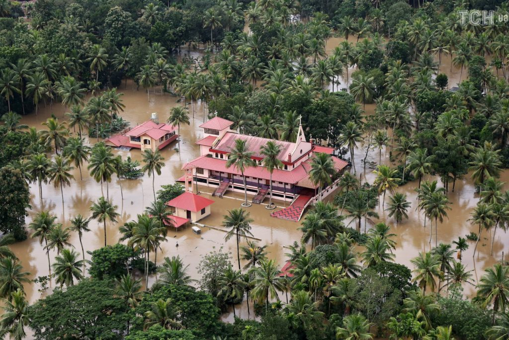 затопило штат Кералу