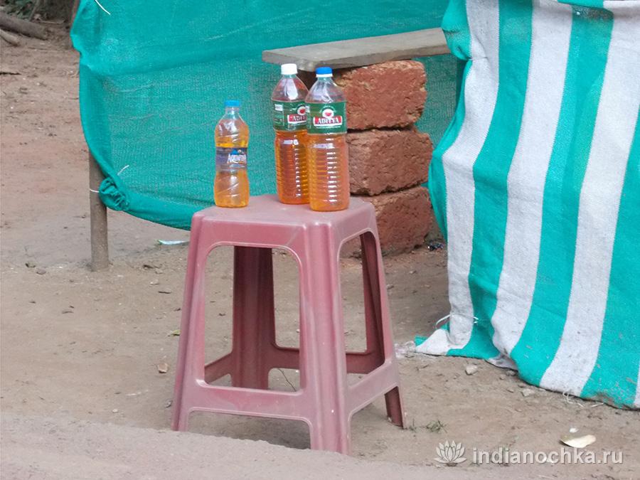 Бензин в бутылках в Гоа